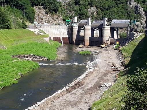L'accès au barrage par l'amont se termine