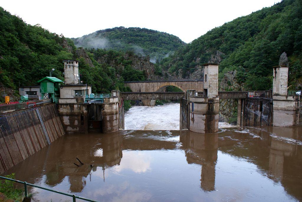 Crue de 400 m3/s au barrage !