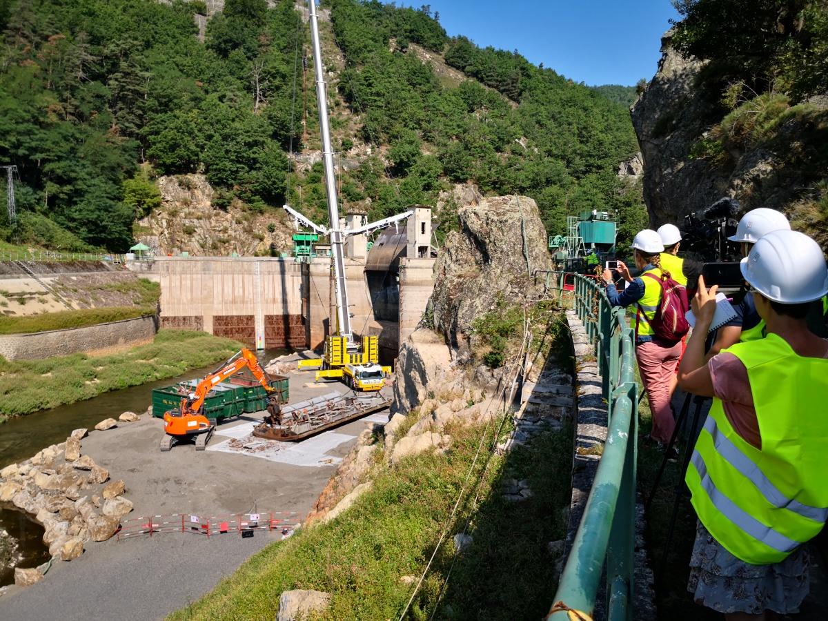 Les vannes du barrage sont déposées, la presse en parle !